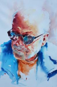 Homme aux lunettes de soleil